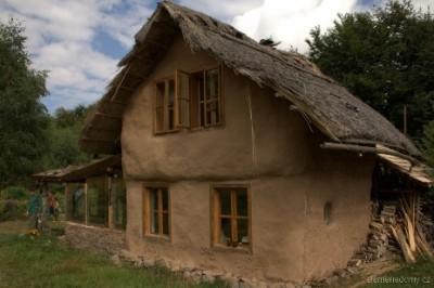 Dům ze slámy cena